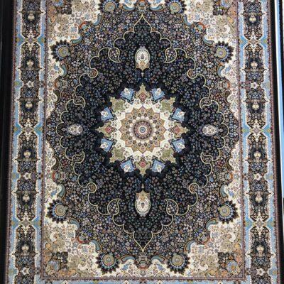 خاتون سرمه ای/دنیای فرش/فرش ایرانی/فرش ماشینی/donyayfarsh